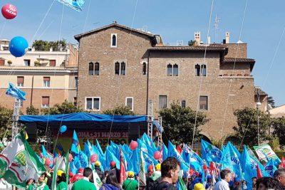 Turismo e Multiservizi, in piazza a Roma migliaia di lavoratori